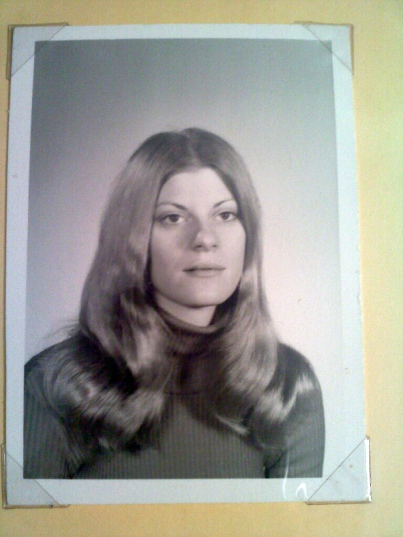 Stefanie's senior high school photo, 1973.  (Family photo courtesy of Stefanie's sister, Peg, and niece, Kate.).
