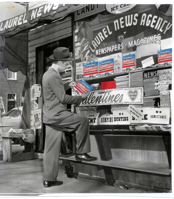 1952 LAUREL NEWS AGENCY-LLBOOK